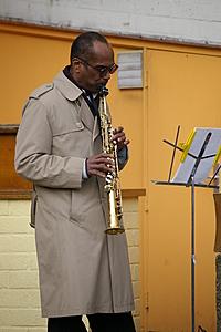 Muzikant bij de Oude Haven