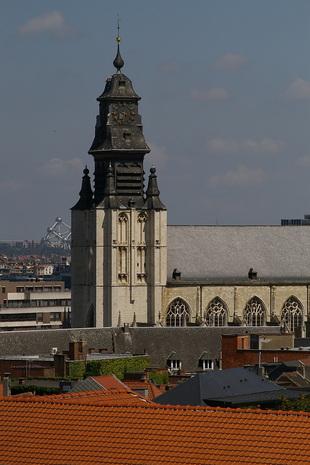 Kerk en Atomium
