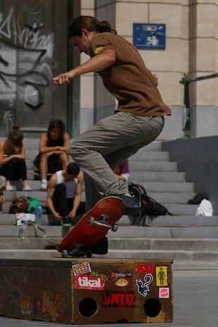 Skateboarder op het Albertplein