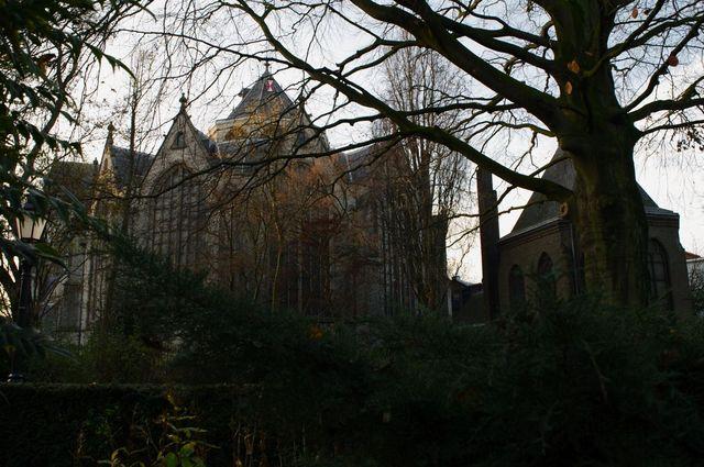 Mysterieus gezicht op de Sint Janskerk