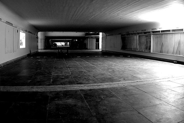 De oude tunnel onder de sporen