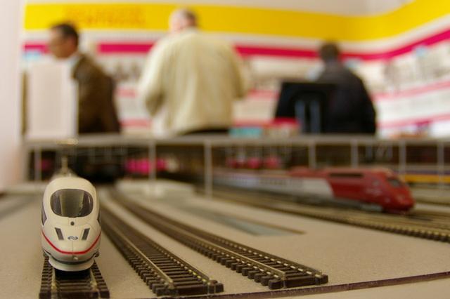 Het treinen-niveau van de stations-maquette
