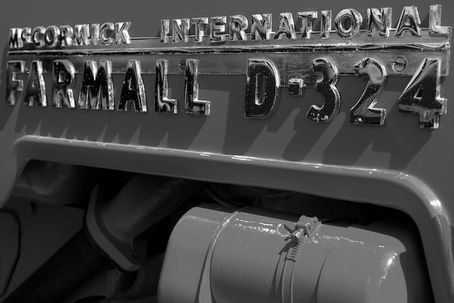 Farmall D-324