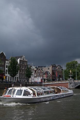 Rondvaartboot in Amsterdam