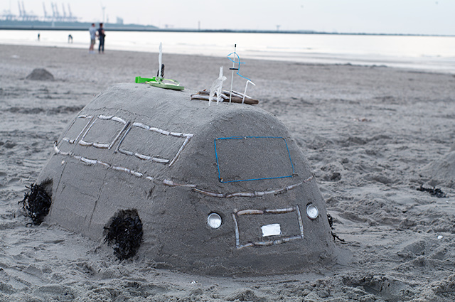 VW bus van zand