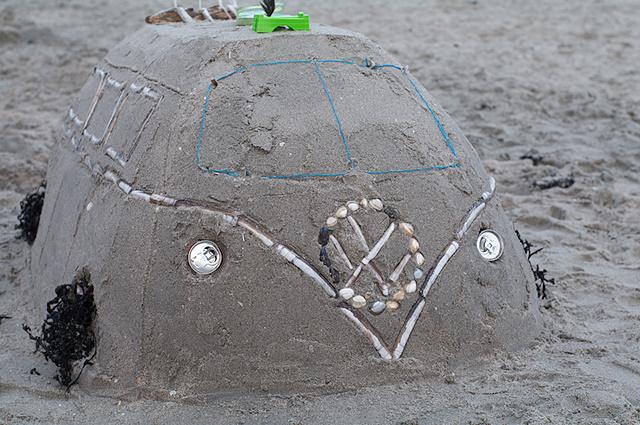 Prachtig VW busje van zand